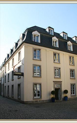 hotel zu verkaufen in d sseldorf altstadt. Black Bedroom Furniture Sets. Home Design Ideas